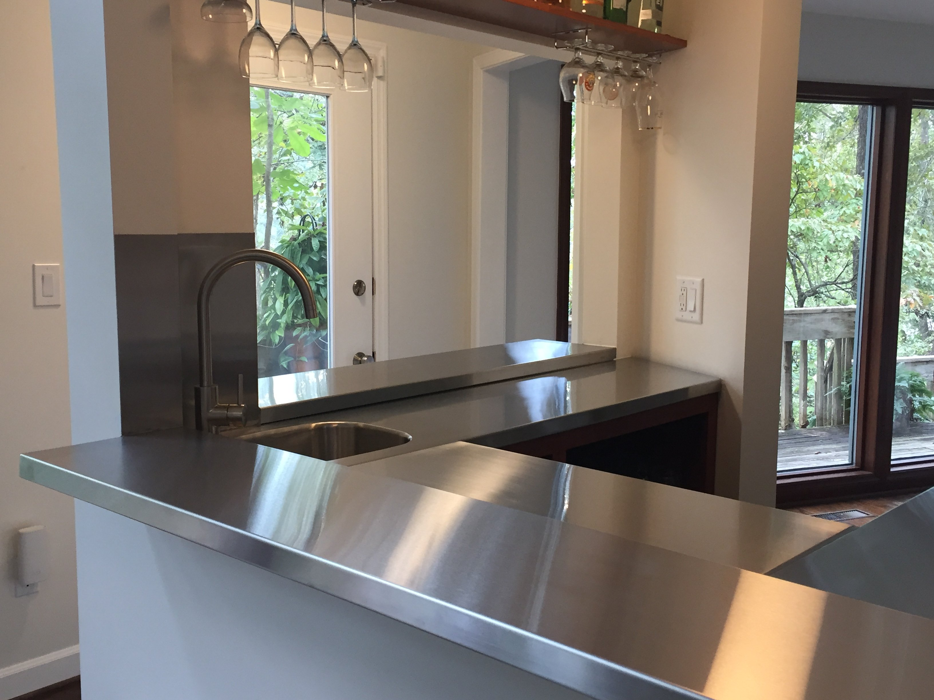 Maintain Stainless Steel Countertop and Backsplash